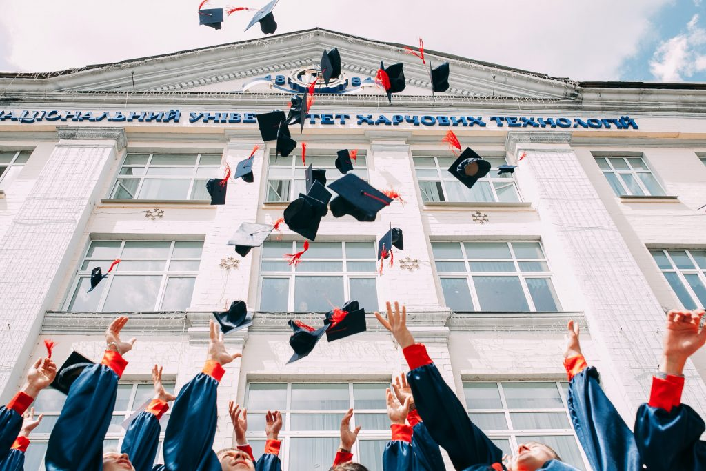 vasily koloda 8CqDvPuo kI unsplash 1024x683 - How to Get a Memorable and Successful College Life